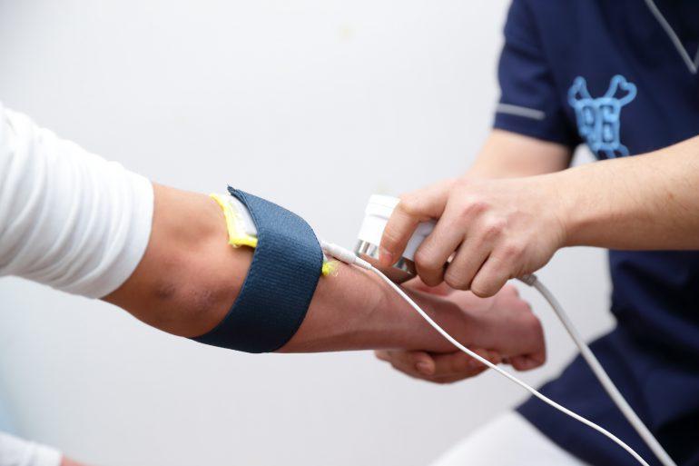 治療機器|上野・台東区竜泉グロさんの接骨院